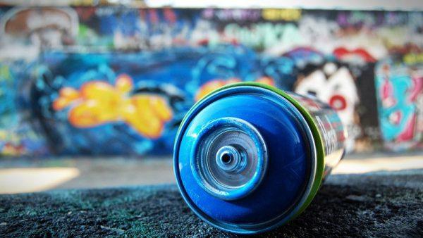 Балончик з фарбою для графіті