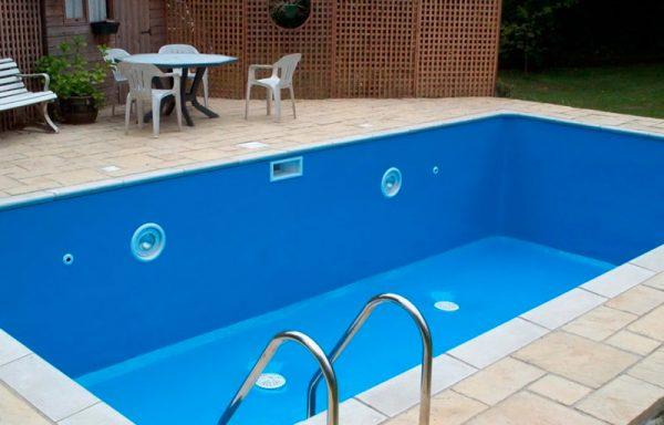 Пофарбований басейн