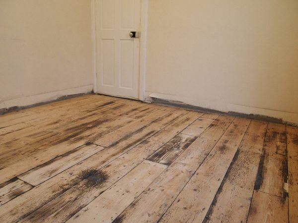 Видалення старої фарби з підлоги