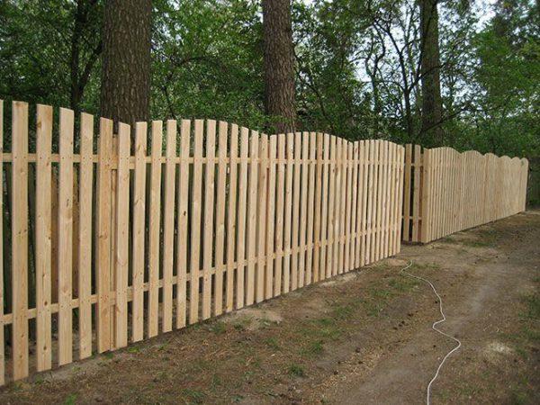 Оновлення дерев'яного паркану