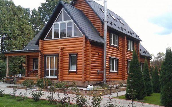 Дерев'яний будинок дерев'яний