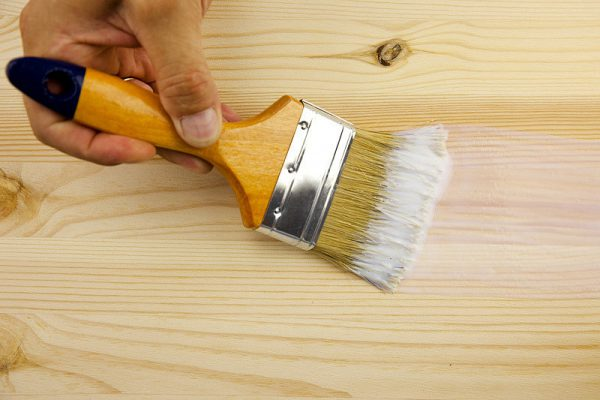 Грунтування дерева перед фарбуванням