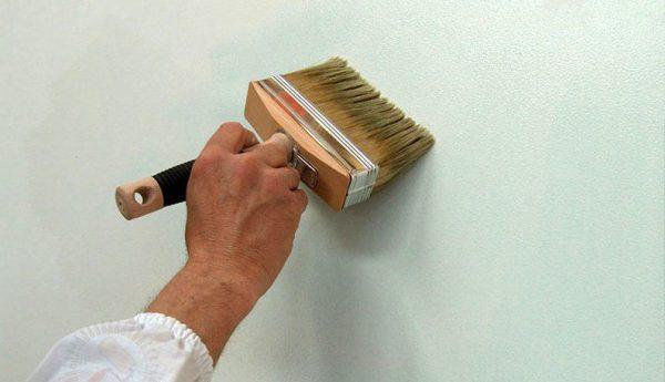 Грунтуємо стіни