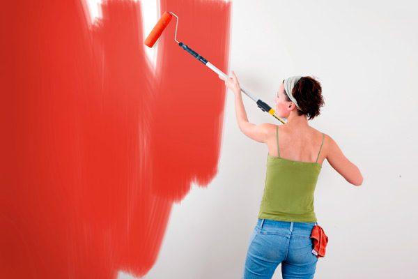 Патьоки фарби на стіні