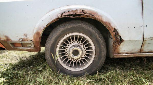 Корозія автомобіля від компонентів газового середовища