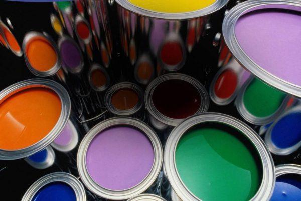 Фарби та лаки різних фірм