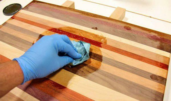 Захист дерев'яної поверхні маслом