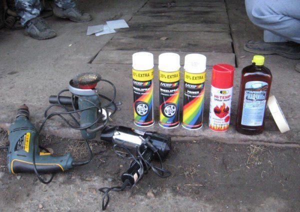 Матеріали та інструменти для фарбування аерозолями