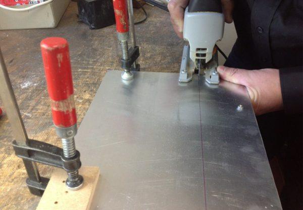 Очищення поверхні металу перед фарбуванням