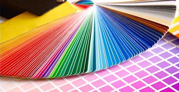 Різноманітна палітра відтінків порошкової фарби