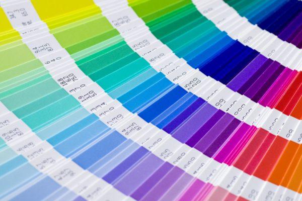 Підбір фарби для плінтуса