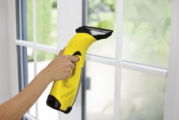 Підготовка пластикового вікна до фарбування