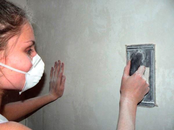 Ошкурювання стін
