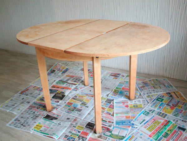 Ошкуренный стіл