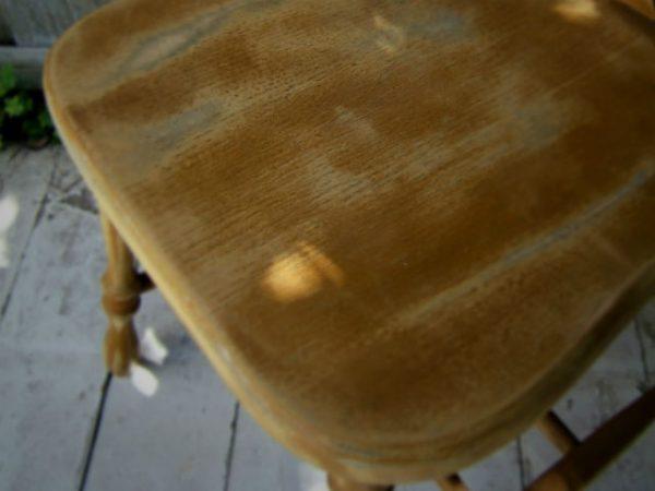 Готуємо стілець до фарбування