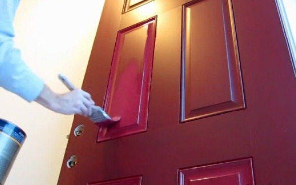 Фарбування дерев'яної дверий