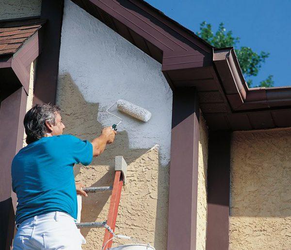 Фарбування фасаду зносостійкою фарбою