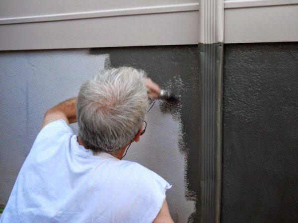 Фарбування зовні гаража