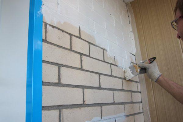 Фарбування стіни з цегли силікатною фарбою