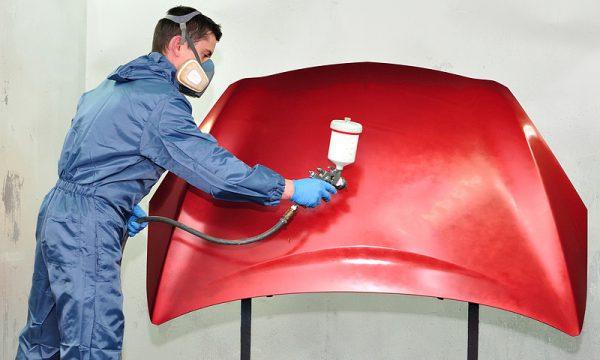 Нанесення сурикової фарби на метал пульверизатором