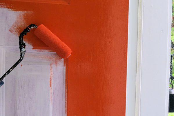 Процес фарбування акриловою фарбою