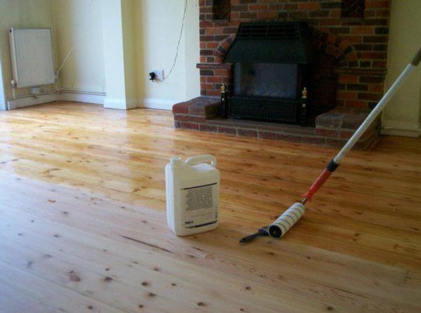 Покриваємо Лаком дерев'яні підлоги