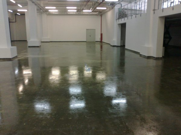 Епоксидна фарба для бетонних підлог