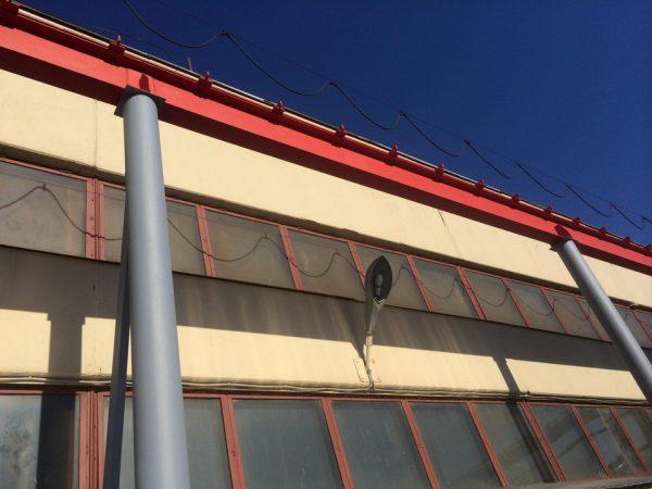 Пофарбований фасад будівлі