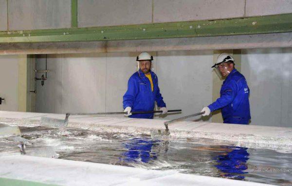 Промивання металу проточною водою