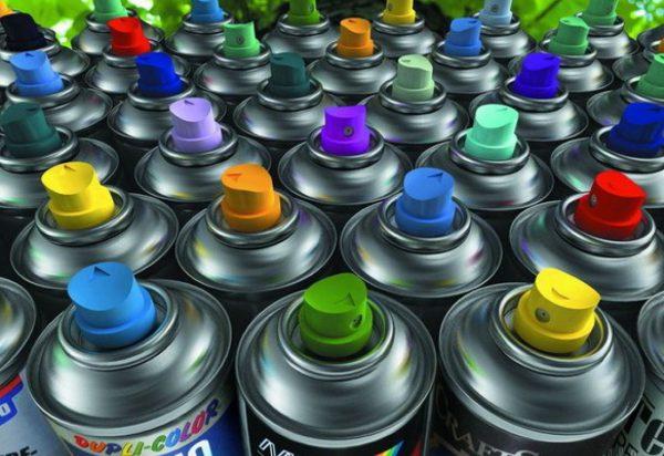 Різноманітність аерозольних фарб в балончиках