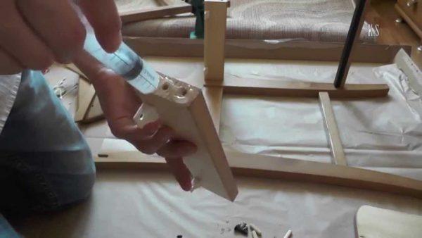 Якісний ремонт стільців