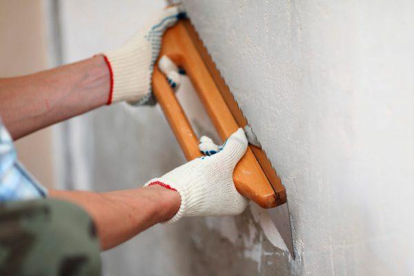 Шпаклівка стін після штукатурення