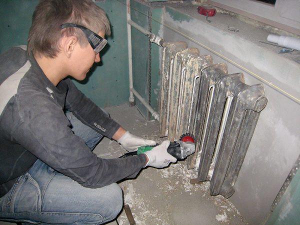 Механічне видалення фарби з металу