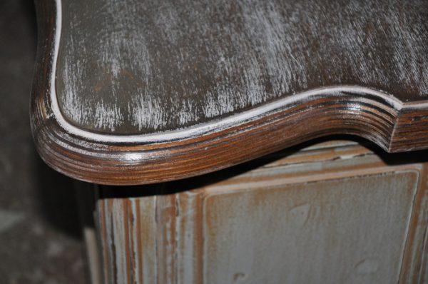 Зістарювання дерев'яних меблів