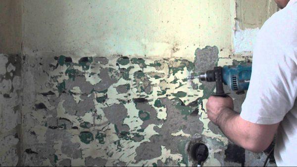 Видалення фарби за допомогою дрилі