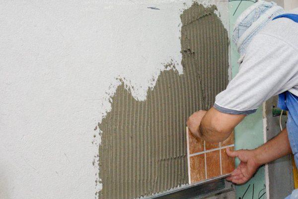 Укладання плитки на фарбу