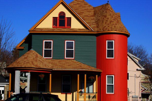 Фарбування фасаду будинку