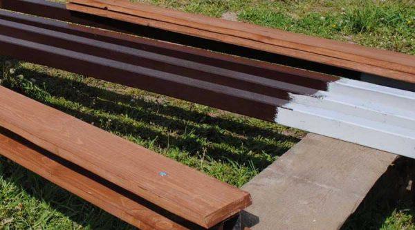 Фарбування дерев'яного стовпа до установки